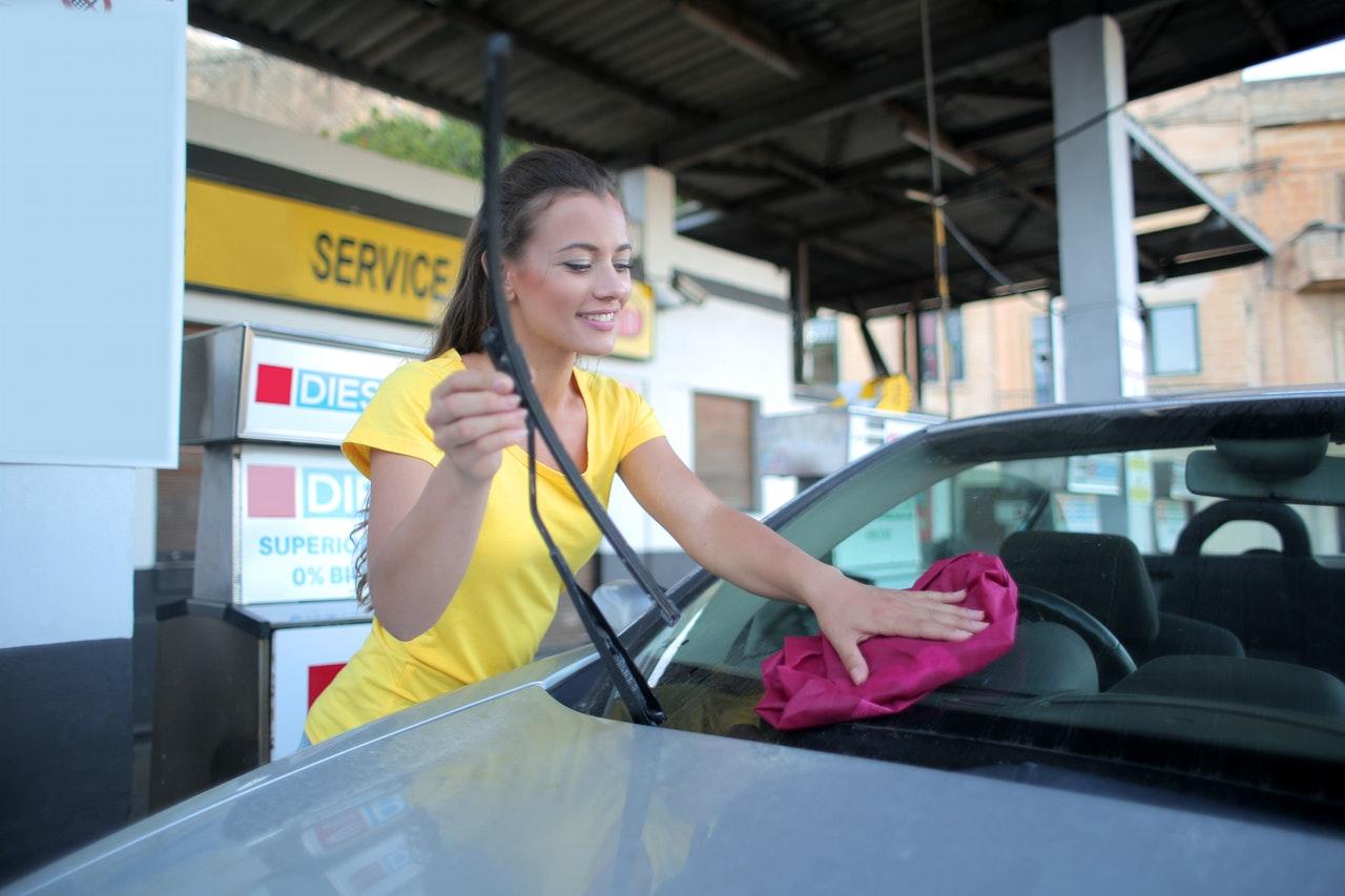 Benzine is te duur