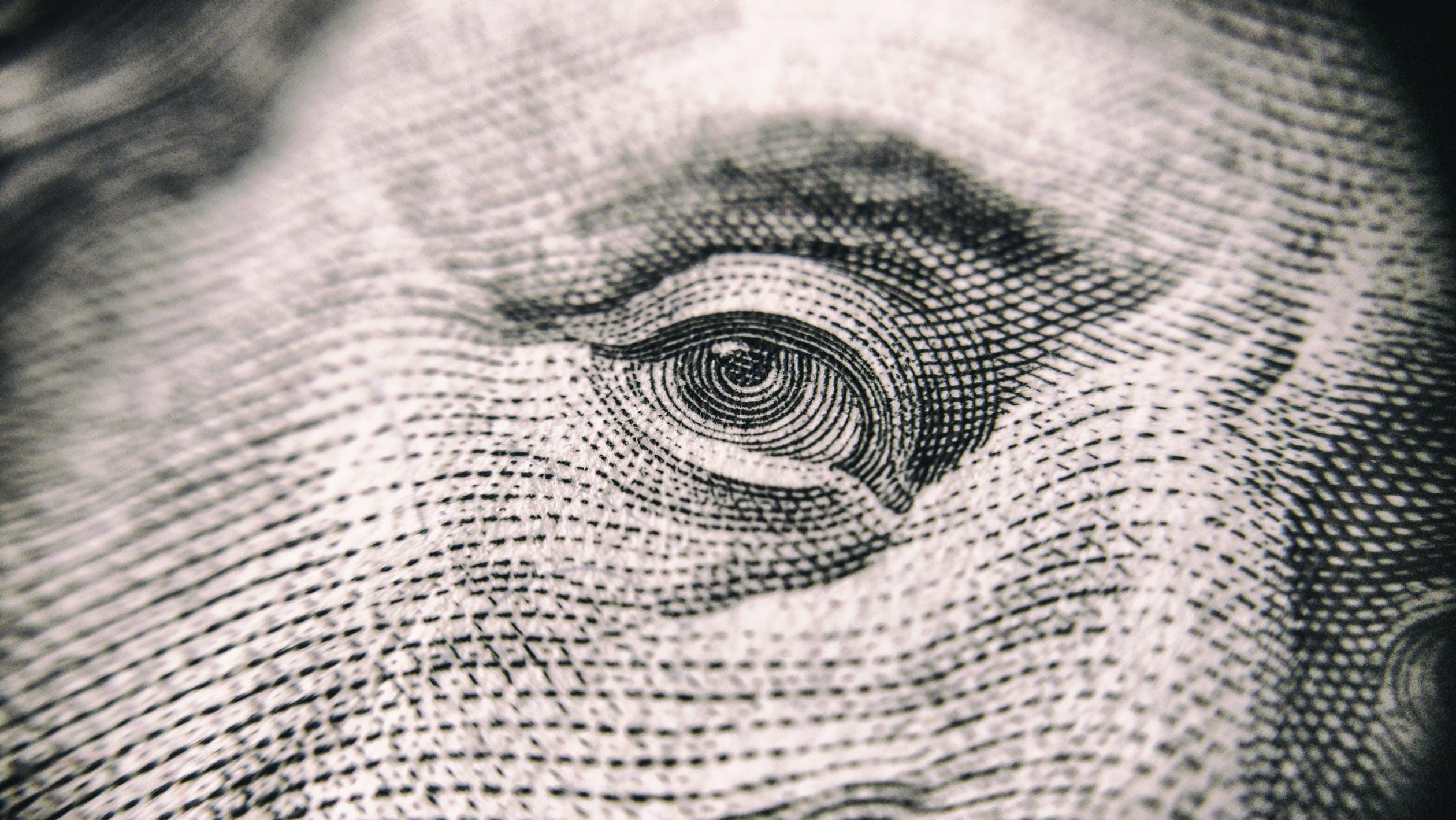 Podcast GeldZaken: Maatschappelijke onrust beloning